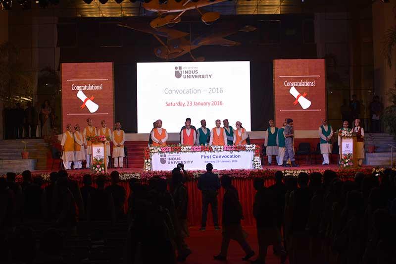 Indus-University-Convocation-2016-(006a)